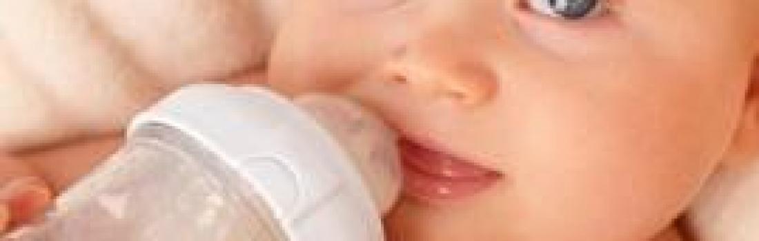 Pais devem controlar o tempo de uso da mamadeira