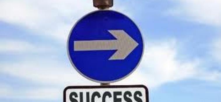 """""""O sucesso é construído à noite!"""""""